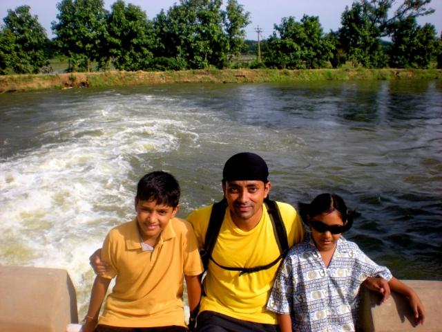 With Shreya and Krishna at Manniyar Thalaippu