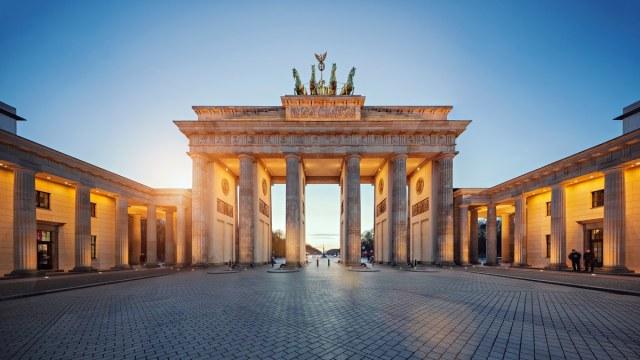 BrandenburgGate_2018_GettyImages-549093677
